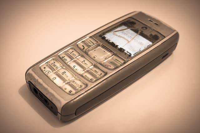 dove buttare i cellulari vecchi